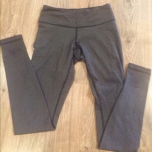 Lululemon pants size 4
